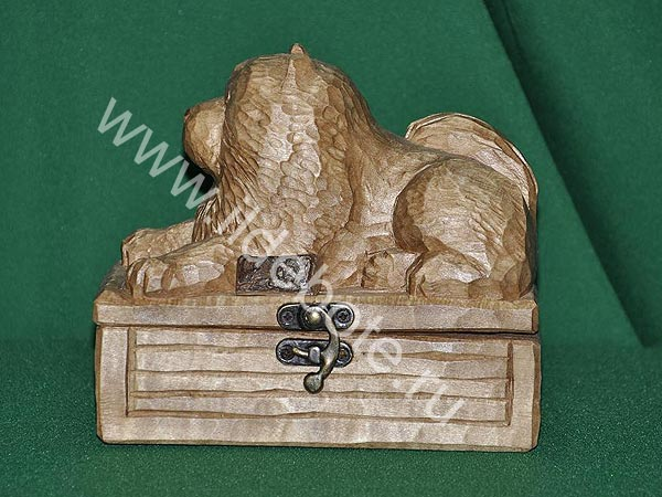 Wooden box with chow-chow